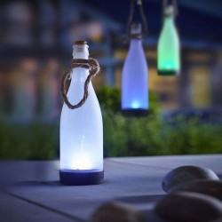 Solárna závesná lampa Cole & Bright v tvare fľaše