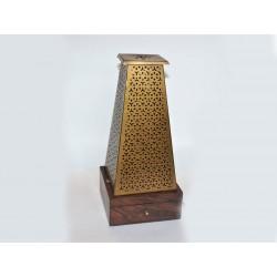 KADIDELNICA kovová s dreveným podstavcom a sitkom